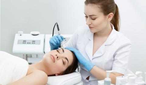 Fight unwanted effects of aging with Diamond Microdermabrasion